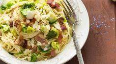 Cestoviny s ružičkovým kelom a so slaninkou | Recepty.sk Cabbage, Vegetables, Food, Essen, Cabbages, Vegetable Recipes, Meals, Yemek, Brussels Sprouts