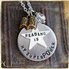 Soy Bibliotecario: Bijouterie sobre libros