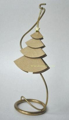 herringbone in the tree christmas craft ideas: paper christmas tree tutorial this christmas tree came up with a simplified three-dimensional. Christmas Tree Cards, Diy Christmas Ornaments, Xmas Tree, Holiday Crafts, Christmas Crafts, Ornaments Ideas, Paper Tree, Church Crafts, Diy Weihnachten