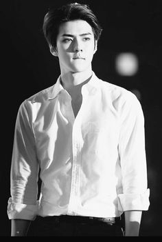 Oh Sehun (EXO) More // not gonna lie. I'm not even in this band, although obviously I know who EXO is, but Sehun is very attractive 😳 Kaisoo, Chanbaek, Exo Minseok, Chanyeol Baekhyun, Kim Jongin, Exo Ot12, Park Chanyeol, Sehun Hot, K Pop