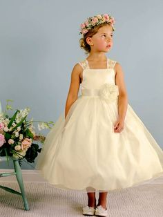 2016 Cheap Wedding Party Flower Girls' Dresses Square Neck Sashes Lace Hand Made Flower Little Prom Gowns Tea Length Ball Gown Wedding Girl Ivory Flower Girl Dresses, Little Girl Dresses, Lace Dress, Girls Dresses, Flower Girls, White Tea Length Dress, Tea Length Dresses, Girls Communion Dresses, Wedding Girl