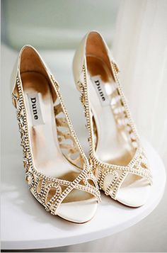 Gold wedding shoes | Glamorous Gold Wedding Shoes | Fashion Photos ...