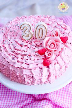 Tort z falbankami - DusiowaKuchnia.pl Birthday Cake, Desserts, Food, Tailgate Desserts, Deserts, Birthday Cakes, Essen, Postres, Meals
