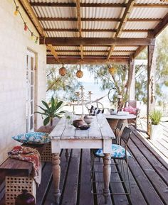 Country chic table. Desk. Beach House