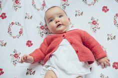 6 months! Baby Graça and a Lovely swaddle tiesphoto: 6 meses em Graça