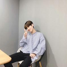 tergantung mood dan jadwal] [REQUEST CLOSED] ', imagine oneshoot trainee with you-♡ Korea Boy, Boy Idols, Golden Child, Ulzzang Boy, Boyfriend Material, Cute Boys, Normcore, Wattpad, Kpop