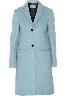 Kate was seen boarding helicopter to return from London to Anmer Hall in this blue Mulberry coat in February 2016