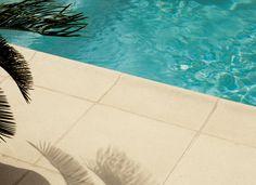 Dallages Béton Piscine   Dallage Rustique Bullé   Dalles structurées pierre reconstituée piscine, terrasses extérieur intérieur   DMD Europe...