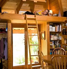 eclectic bedroom by Henry Yorke Mann architect - used one builder who saved money on this 280 foot cabin in rural bc . this is my idea of paradise Loft Design, Tiny House Design, Design Case, Diy Design, Cabin Design, Design Ideas, Interior Design, Small Apartment Design, Small Apartments