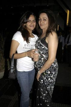 Hema Malini With Her Daughters Picture