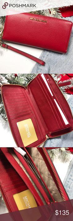 135ab46fdc6f4e Michael Kors Jet Set Travel continental wallet Michael Kors Jet Set  Collection. This travel continental