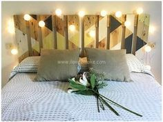 Headboard March, of pallets recycled. Headboard March, of pallets recycled. Headboard made of pallets recycled. Dimensions: Width: 160 cm H. Headboards For Beds, Bedroom Diy, Headboard Designs, Deco, Diy Home Decor, Home, Home Deco, Bedroom Design, Home Decor