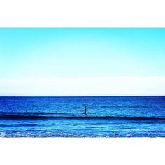 【fuyumiiii】さんのInstagramをピンしています。 《海パン一枚のおっちゃん、カッコイイ。  #鎌倉 #由比ヶ浜 #海 #空 #sea #blue #beautiful #sunnyday  #canon70d #camera #photo #写真部 #カメラ部 #カメラ女子 #tokyocameraclub #単焦点 #ファインダー越しの私の世界 #写真撮ってる人と繋がりたい #写真好きな人と繋がりたい #instagood #instaphoto  #nature #japan #kanagawa #lovers_nippon #naturelovers #jp_gallery #IGersJP》
