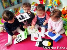 Os bebés conhecem o mundo através dos objetos, sons, cores, texturas e sensações que lhes são apresentados pelos adultos e pelo meio que os...