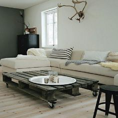 White #living #room made of #pallets  TOP 10 Furnishings made of pallets_07