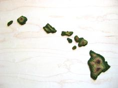 for my hi girl? Topographic Hawaiian Islands - Hand Made Map of Hawaii - Geographic Diorama of Hawaii - Unique Topography Style Map of Hawaii. $70.00, via Etsy.