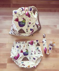 📣NEW‼️Bolsa multiusos: para pañales, toallitas, la merienda... con gallinas 🐔 y pollitos 🐥 de acompañantes! Que os parece?☺️ Cloth bag. For diapers, wipes ... do you like it?#bolsacapotinas #babyblogger #bolsa #instababy #babyfashion #modainfantilespañola #babyclothes #ropitadebebe #spanishbabyclothes #spanishbabywear #bloomers #handmade #babybloomers #babylook #modabebe #instabebe #babyboys #reciennacido #modabebe #bebe #cubrepañal #braguita #pregnancy #embarazada #ranita