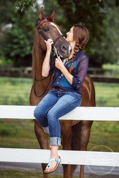 minnesota-senior-photographer-horse-08.JPG