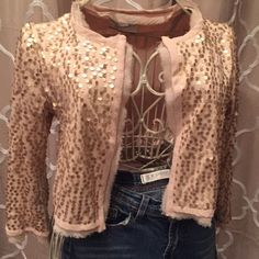 Gold sequined lightweight cardigan I love when fabrics combine to make a great piece. This forever 21 sweater combines a light weight sweater knit with beautiful silk chiffon. Oh and of course the best element is the light matte gold sequins. Forever 21 Sweaters Cardigans