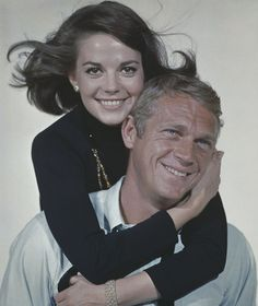 American actors Natalie Wood and Steve McQueen who appear together in the film 'Love with the Proper Stranger, 1963 [Popperfoto/Getty Images] Natalie Wood, Vintage Hollywood, Classic Hollywood, Steeve Mcqueen, Steve Mcqueen Style, Splendour In The Grass, The Great Escape, Hollywood Stars, American Actors