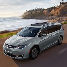 Explore the 2020 Chrysler Pacifica Hybrid. Discover fuel efficiency, available federal tax credits and more on this hybrid minivan today.