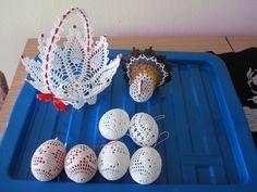 Húsvéti szépségek Easter Crochet, Knit Crochet, Diy Hat, Flower Hats, Knitted Hats, Eggs, Felt, Knitting, Crocheting