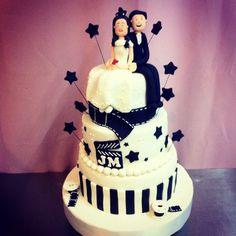 Hollywood wedding cake by majesto cake studio