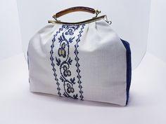 Βεστιάριο με ελληνικές παραδοσιακές φορεσιές , κατασκευασμένες με μεράκι και άριστα υλικά.Κεντήματα και ύφανση σε παραδοσιακούς αργαλιούς. Gym Bag, Bags, Handbags, Bag, Totes, Hand Bags