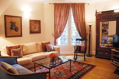 Montmartre 3 bdrm, €1650 \ wk- plus: can pay with PayPal, American owner