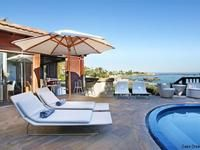 Cape Town - In Cape Town, South Africa, this five-bedroom bungalow overlooks the azure Atlantic of Clifton Beach. Beach Vacation Rentals, Vacation Villas, Vacation Spots, Clifton Beach, Dream Beach Houses, 5 Bedroom House, Rental Apartments, Cape Town, Renting A House