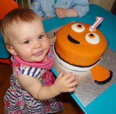 Finding nemo birthday cake http://kizzyandizzy.com/2015/05/28/happy-first-birthday