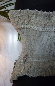 antique-gown.com images sampledata Unterwaesche Korsetts 1889_Paris_Weltausstellung 15_antique_corset_1889.JPG