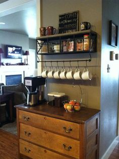 I love this A COFFEE BAR ! Coffee bar, Love Coffee - Makes Me Happy. Might have space in the new kitchen/dining area that isn't cupboards and counters, where this idea would work. New Kitchen, Kitchen Dining, Kitchen Decor, Basement Kitchen, Dining Area, Dining Room, Kitchen Worktop, Diy Cozinha, Coin Café
