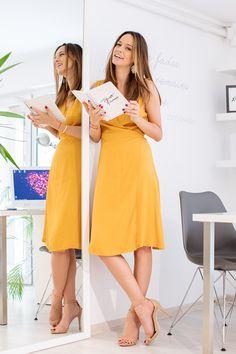 Tinute office: cum te imbraci vara la birou Red Carpet Looks, Wardrobes, Outfits, Dresses, Style, Fashion, Vestidos, Swag, Moda