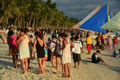Boracay for budget travellers Essential Guide. All you need to know to make the most out of Boracay, without running out of money. Station 1, Party Scene, Snorkelling, Top Destinations, Travel Couple, Lonely Planet, Travel Essentials, Backpacking, Budgeting
