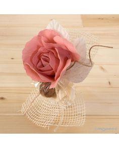 #Flor de lino en color rosa y con 2 #bombones con cinta de #regalo