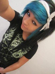 Soo cute! :) blue bangs, black hair, white bandana, cool eye liner