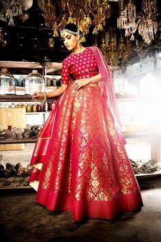 Buy ombre pink red Banarasi lehenga online in USA Red Wedding Lehenga, Indian Wedding Gowns, Indian Bridal Outfits, Indian Gowns Dresses, Indian Fashion Dresses, Indian Designer Outfits, Gown Wedding, Designer Dresses, Pink Bridal Lehenga