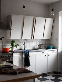 Södermalm Kitchen Interior, Kitchen Design, Simple House, Home Kitchens, Sweet Home, Kitchen Cabinets, Indoor, House Design, Interior Design