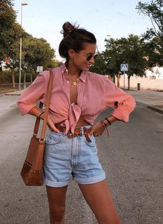 Women Jeans Shorts Outfit Summer Boys Pants Best Jeans For Short Torso Wedding Casual Attire Mens Casual Wear For Men Summer Shorts Outfits, Trendy Summer Outfits, Spring Outfits, Casual Outfits, Cute Outfits, Casual Shorts Outfit, Outfits With Jean Shorts, Summer Night Outfits, Denim Skirt Outfit Summer