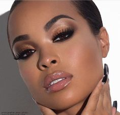 Love a good neutral makeup look @heathersanders