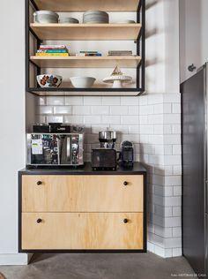 Cozinha madeira clara escandinava e preto Arkitito Arquitetura www.arkitito.com Liberdade de estilos | Capítulo 2 | Histórias de Casa