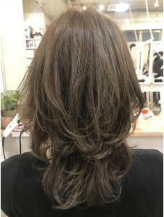 Pin on 髪型 Medium Short Hair, Medium Hair Cuts, Short Curly Hair, Medium Hair Styles, Short Hair Styles, Bob Haircut For Fine Hair, Korean Short Hair, Androgynous Hair, Cabello Hair