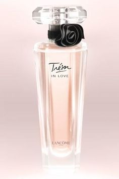 Tresor (In Love) Beautiful Bottle & Light Flower Scent~~~