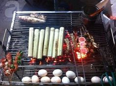 SaPa is an ideal place to enjoy grilled foods for its variety of dishes such as grilled egg, chicken, and beef with vegetable, rice and chestnut among others.