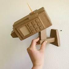 Camera cardboard / cardboard video camera by LaTeteDansLesIdees, Cardboard Camera, Cardboard Mask, Cardboard Sculpture, Cardboard Crafts, Camera Crafts, Fresh Shop, Camera Art, Really Cool Stuff, Sculptures