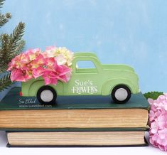 Create a Vintage Flower Truck with the new Vintage Truck Die from Eileen Hull and Sizix. Project designed by Sue's Creative Workshop www.sueeldred.com #vintagetruck #sizzix #die-cutting Flower Truck, Different Holidays, Creative Workshop, Vintage Flowers, Decoration, Diy, Miniatures, Trucks, Die Cutting