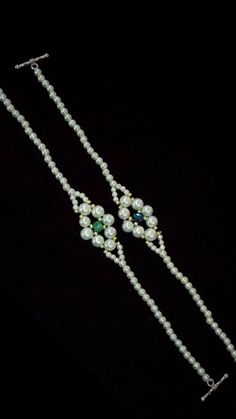 beaded bracelets diy tutorials handmade jewelry # perlen armbänder diy tutorials handgemachten schmuck # bracciali in rilievo fai da te tutorial gioielli fatti a mano Diy Bracelets Easy, Bracelet Crafts, Jewelry Crafts, Handmade Bracelets, Colorful Bracelets, Crochet Beaded Bracelets, Embroidery Bracelets, Brooches Handmade, Seed Bead Jewelry