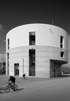Galeria de Centro Meteorológico de Barcelona, de Álvaro Siza, pelas lentes de Fernando Guerra - 1