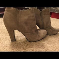 Nine west booties Soft grey nine west booties. Very comfortable. Gently worn. These are very clean. They are suede so the shading in the pics don't do them justice. Nine West Shoes Ankle Boots & Booties